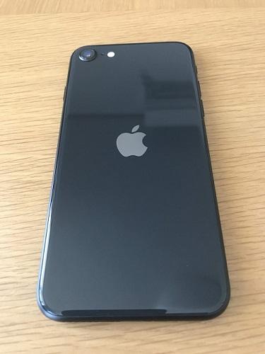 iPhoneSE2(本体裏)